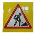 Светодиодный активный импульсный дорожный знак 1.25. Дорожные работы треугольник А=900мм на квадрате 900x900мм